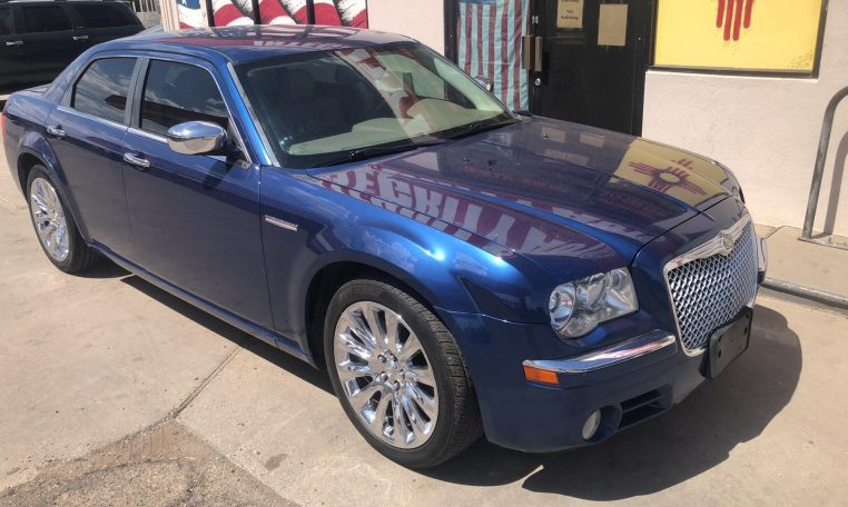 2009 Chrysler 300 C HEMI 4dr Sedan
