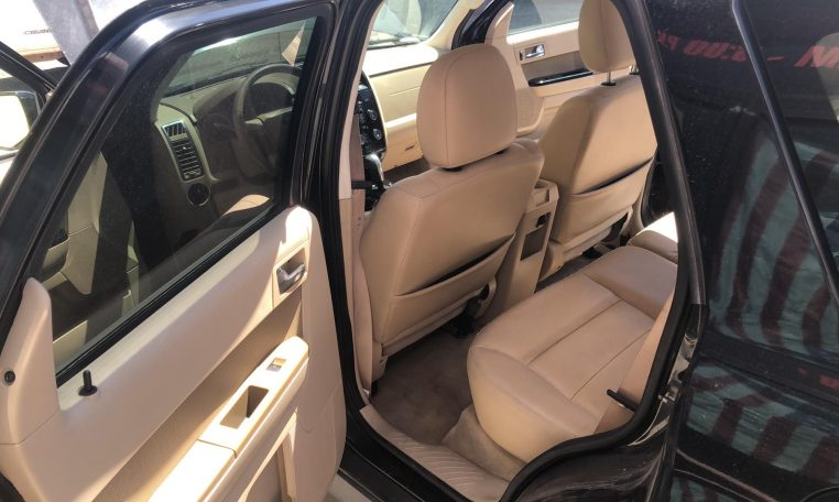 2010 Ford Escape Limited 4dr SUV